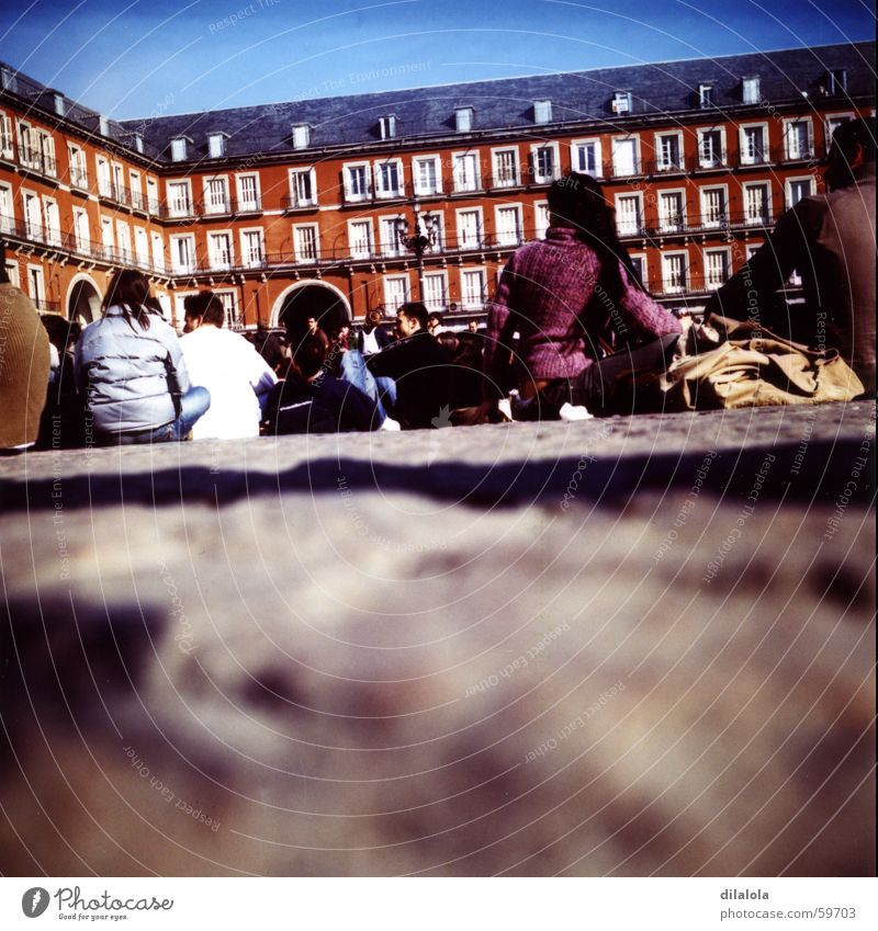 dobles mitades_01 Madrid Lomography Human being Spain Town c-41 Plaza Mayor friends Youth (Young adults) street Art Sun