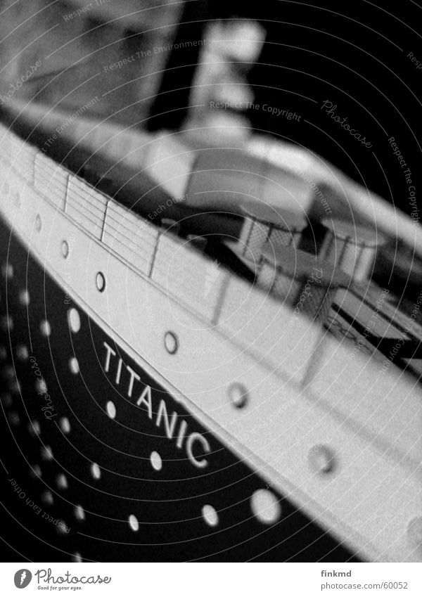 titanic Watercraft Go under Black & white photo