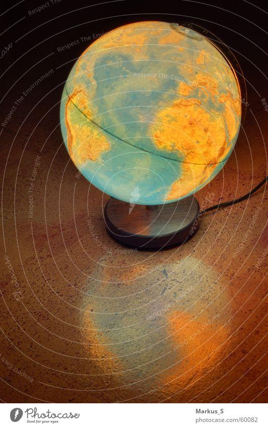 transatlantic Globe Reflection Light Earth Sphere