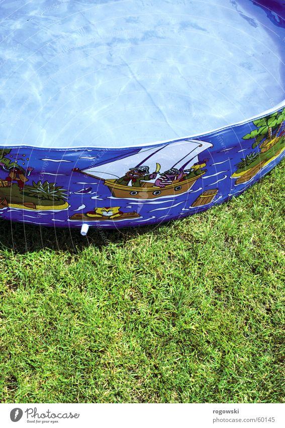 paddling pool Meadow Kiddy pool Swimming pool Paddling pool Water Lawn