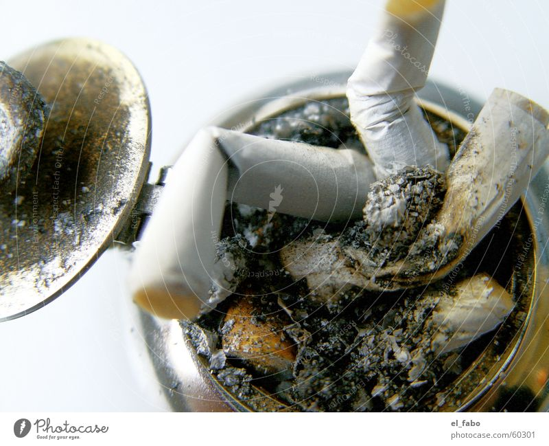 Metal To enjoy Smoke Cigarette Ashtray Cigarette Butt