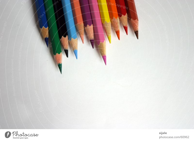 White Green Blue Red Black Yellow Colour Wood Gray Brown Orange Pink Pen Painter Difference Pointed