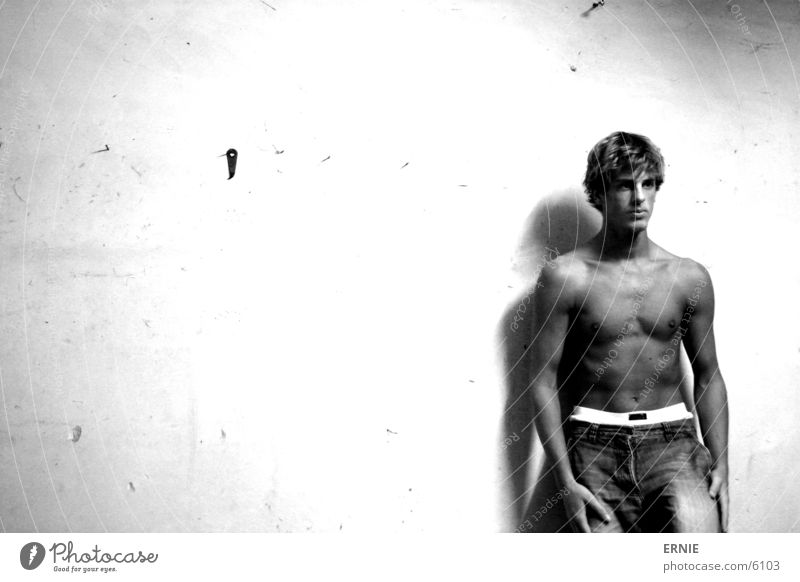 Man Wall (building) Hair and hairstyles Brown Skin Masculine Jeans Posture Pants Shorts Self portrait Portrait photograph Lean Sports Boxer Sportsperson