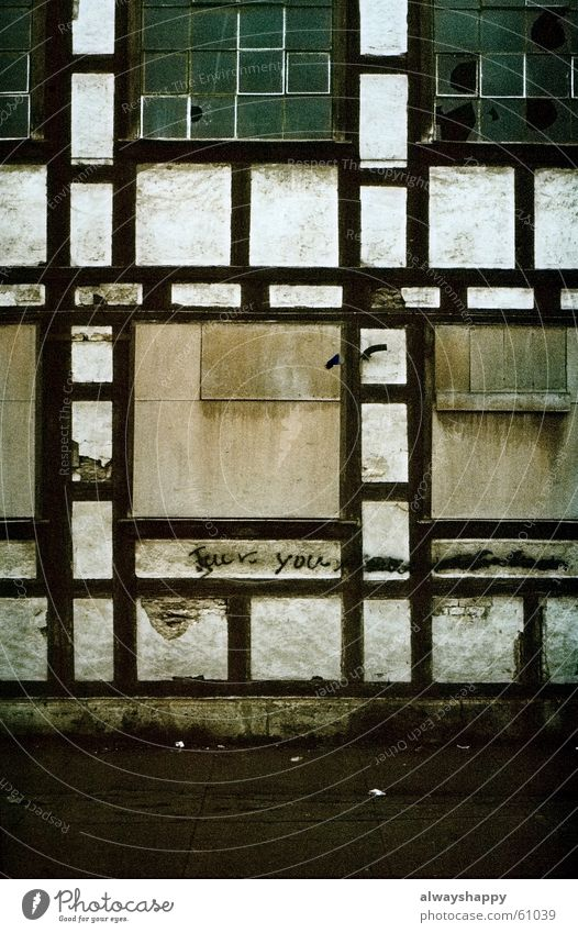 Old Window Empty Gloomy Broken Shabby East Spray Vacancy Pane Street art Decompose Thuringia Half-timbered facade