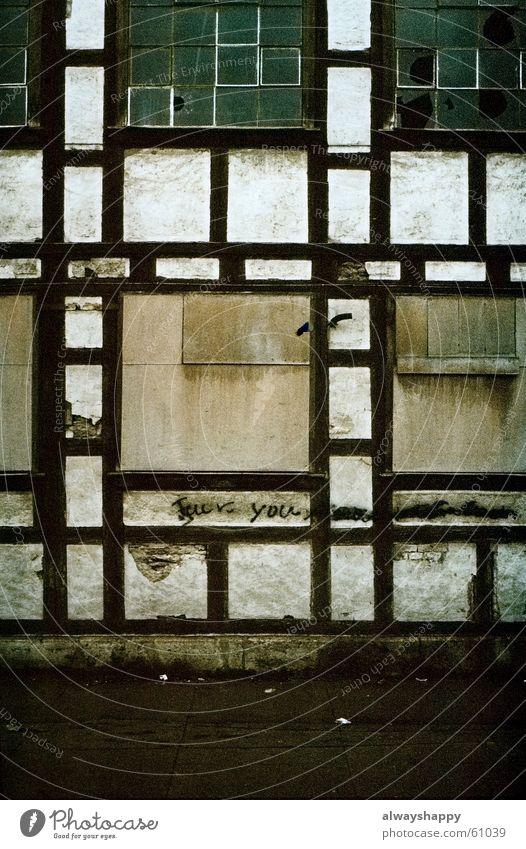 Old Window Empty Gloomy Broken Shabby East Spray Vacancy Pane Street art Decompose Thuringia Half-timbered facade