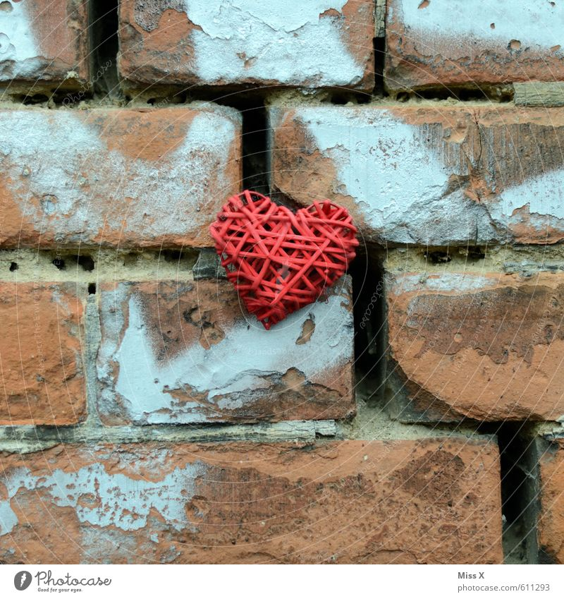 Old Red Wall (building) Emotions Love Wall (barrier) Stone Moody Facade Heart Brick Infatuation Crack & Rip & Tear Divide Lovesickness Redecorate