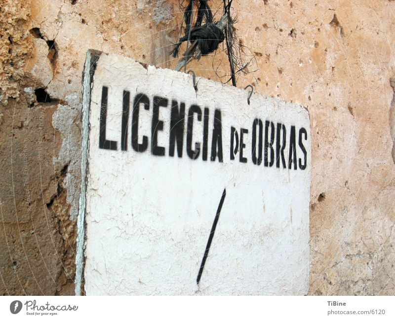 work permit Spain Obscure Signs and labeling Licencia de Obras license