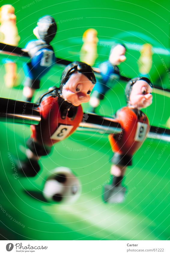 fully pull through Jersey Table soccer Green Action Man Sports team Ball ball feeling Lighting Joy Shallow depth of field Snapshot Motion blur Movement
