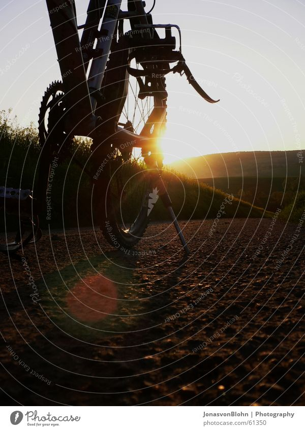 Sun Street Relaxation Mountain Lanes & trails Bicycle Break Stand Footpath Chain Dusk Gearwheel Pedal Cycling tour Pillar