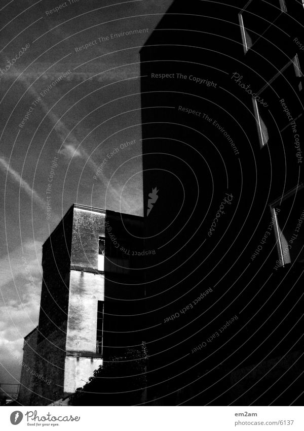 two who cuts one House (Residential Structure) Light Building Architecture Black & white photo Contrast Division