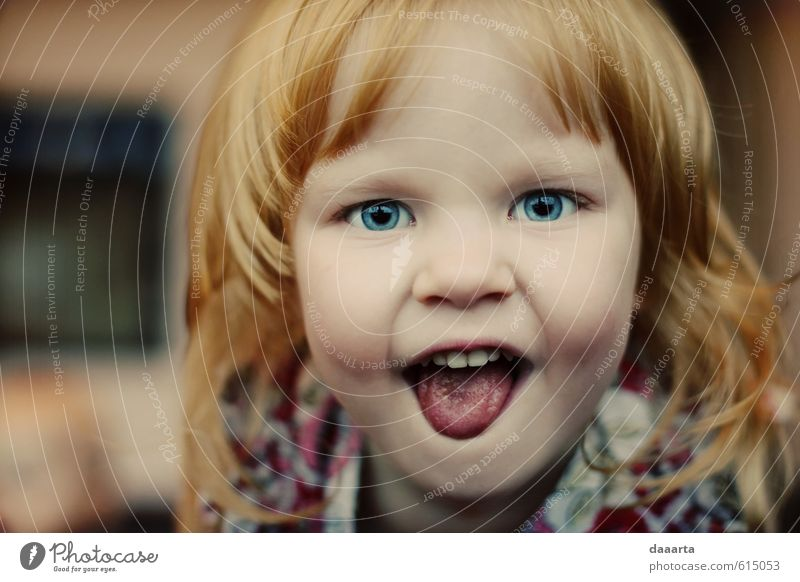 child charm Child Girl Red-haired Glittering Smiling Laughter Aggression Cool (slang) Simple Brash Friendliness Happiness Healthy Bright Funny Natural Cute