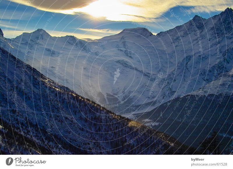 mountain splendour Saas-Grund Switzerland Winter Vantage point Cold Exterior shot Saas Fee Mountain Snow Point Sun Landscape Tall Freedom