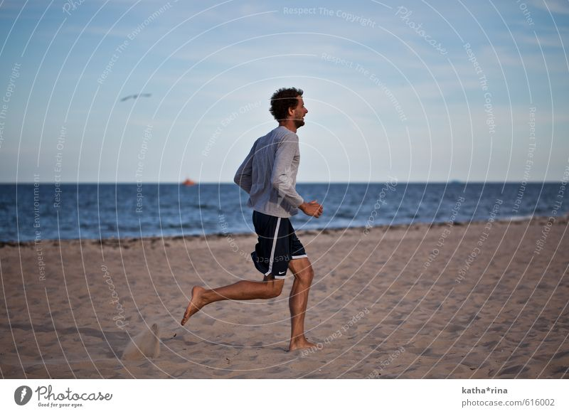 run! Athletic Fitness Summer Summer vacation Beach Ocean Sports Jogging Running Masculine Young man Youth (Young adults) 1 Human being 18 - 30 years Adults