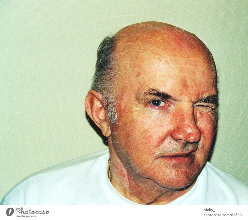 Man Old White Face Gray Hair and hairstyles Nose Fresh T-shirt Lips Past Grandfather Grandparents Earmarked