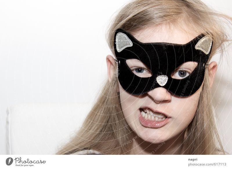 Careful: kittens! Girl Infancy Youth (Young adults) Head 1 Human being 8 - 13 years Child Mask Blonde Long-haired Playing Brash Beautiful Funny Cute Wild