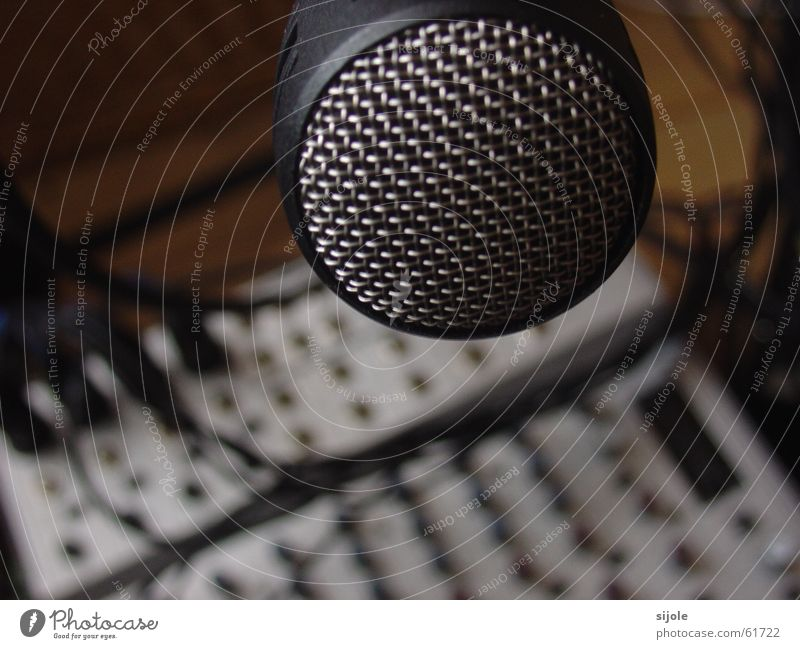 Speak in ! Microphone Plop! Grating Black Workshop Sound engineering Mixing desk Bland Buttons Metal Protection Statue Dynamics Tone Silver Technology Language