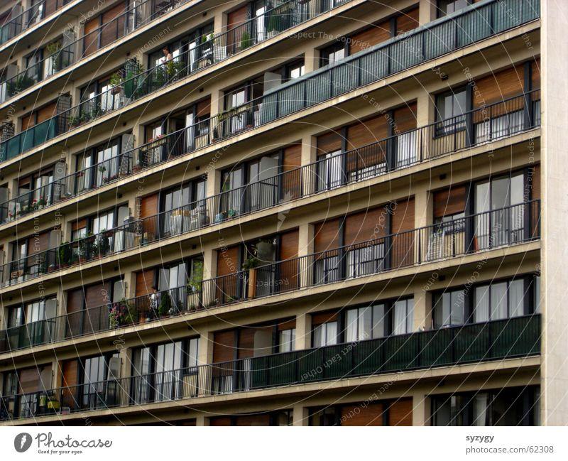 Flat (apartment) High-rise Arrangement Vantage point Living or residing Balcony Narrow Block Prefab construction Direct Ghetto Suburb Tower block