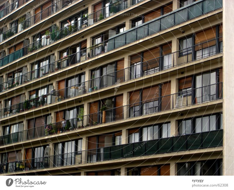 Flat (apartment) High-rise Arrangement Vantage point Living or residing Balcony Narrow Block Prefab construction Direct Ghetto Suburb Tower block
