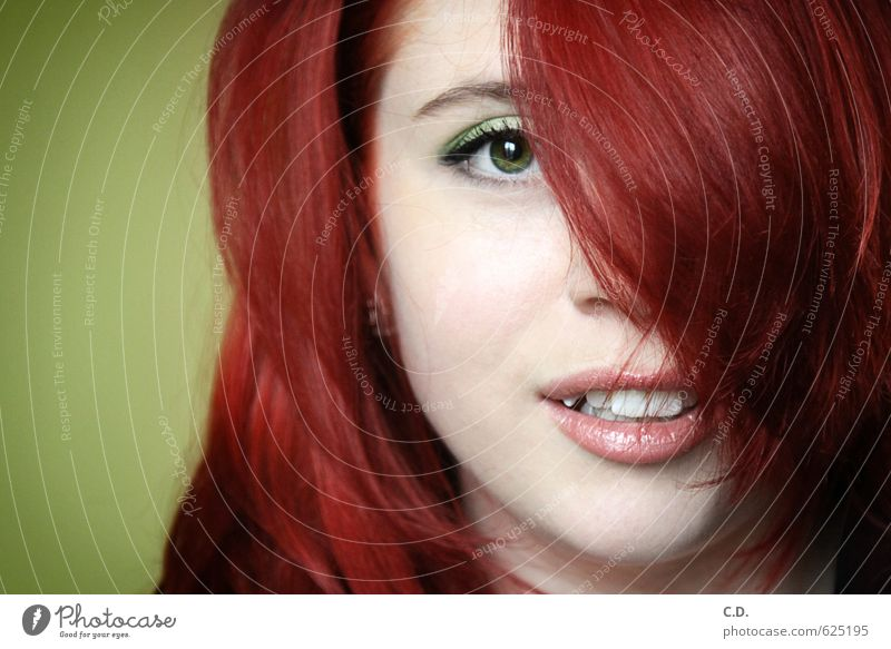 Youth (Young adults) Green Red Young woman 18 - 30 years Face Adults Hair and hairstyles Head Smiling Happiness Curiosity Long-haired Positive Red-haired Reddish green