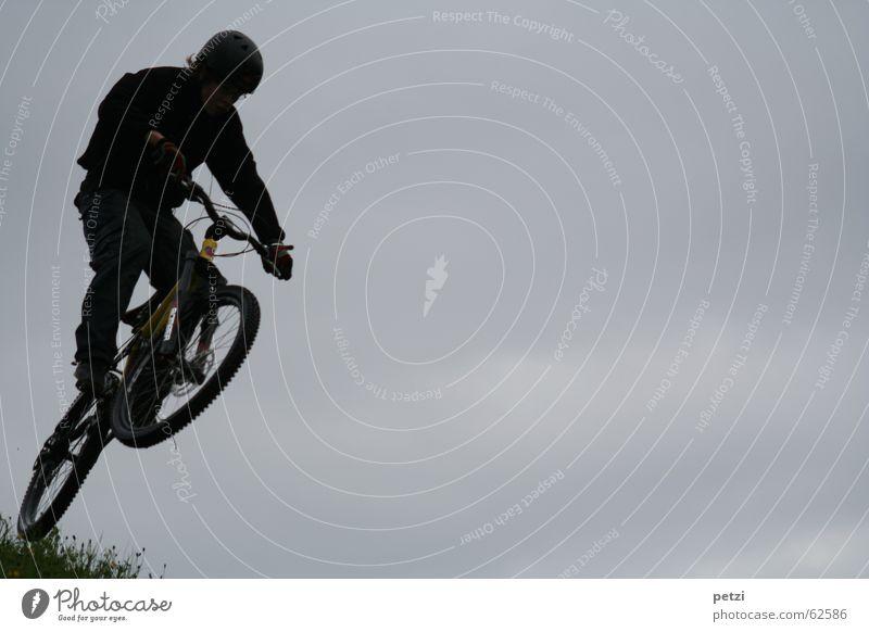 Sky Joy Clouds Dark Jump Freedom Air Bicycle Wind Concentrate Dynamics Cycling Helmet Swing Steep Mountain bike