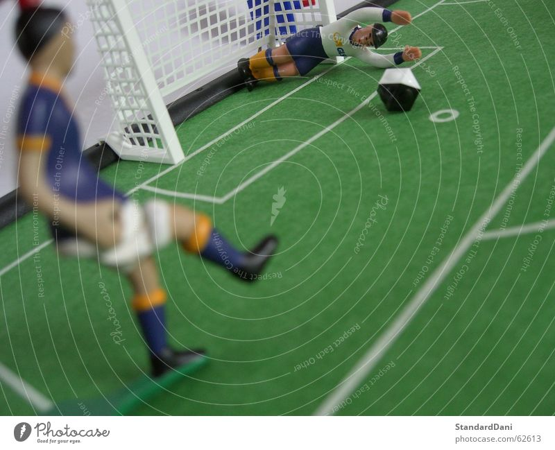 Green Meadow Sports Playing Grass Field Leisure and hobbies Walking Soccer Places Clothing Round Digits and numbers Grass surface Playing field Gate