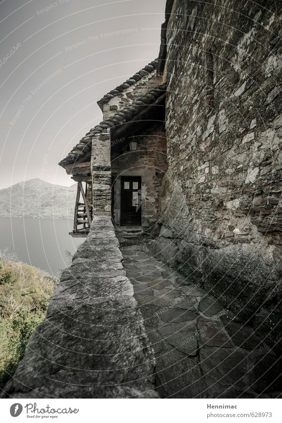 Back door. Vacation & Travel Adventure Summer House (Residential Structure) Architecture Landscape Water Sky Night sky Lakeside Fishing village Castle Building