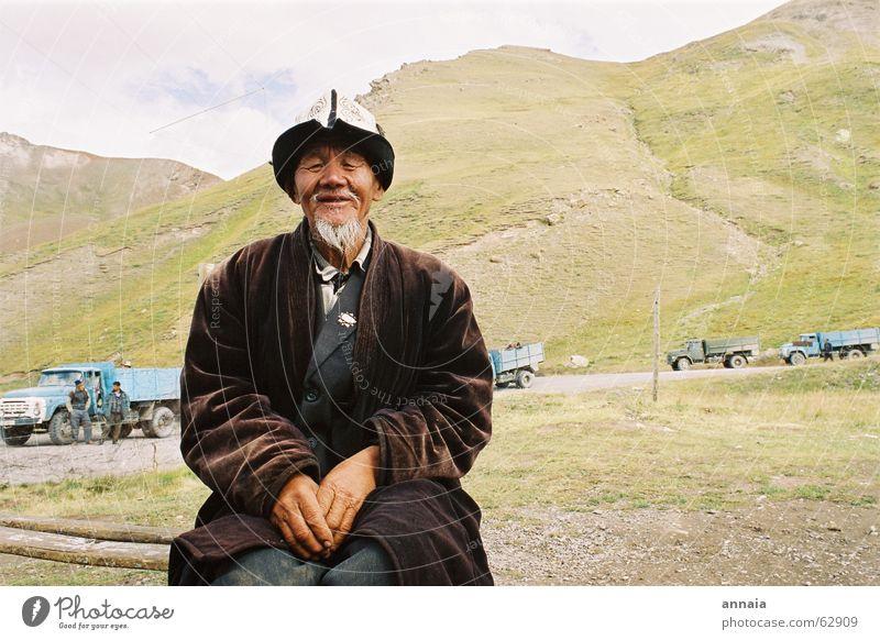 Human being Man Old Calm Mountain Asia Serene Border Facial hair Tradition Male senior Costume Asians Indigenous Kyrgyzstan Tajikistan