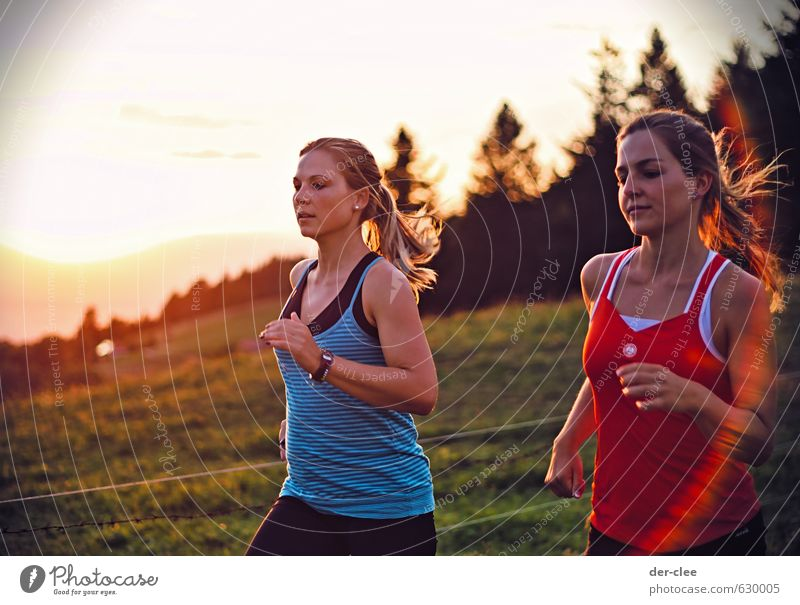sun's course Lifestyle Healthy Athletic Fitness Mountain Sports Sports Training Jogging Feminine Young woman Youth (Young adults) Friendship 2 Human being