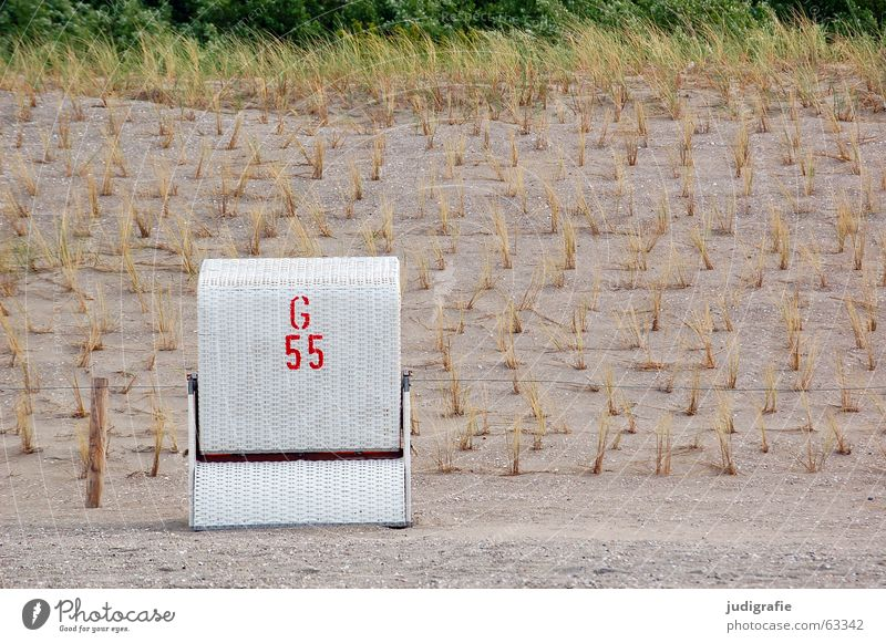 G 55 Letters (alphabet) Digits and numbers Stencil letters Typography Red White Beach Vacation & Travel Beach chair Grass Beaded Air Calm Plant Plaited Ocean