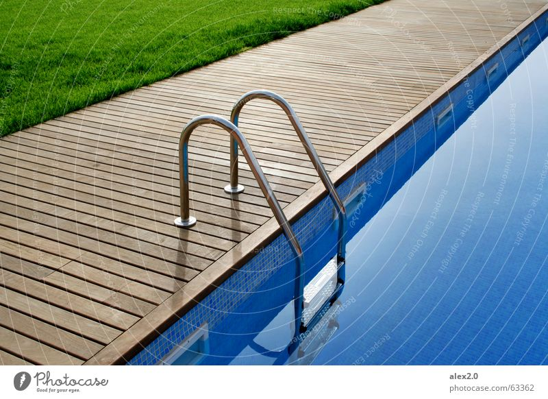 Water Green Blue Calm Loneliness Relaxation Grass Wood Brown Stairs Lawn Swimming pool Hotel Footbridge Spain Ladder