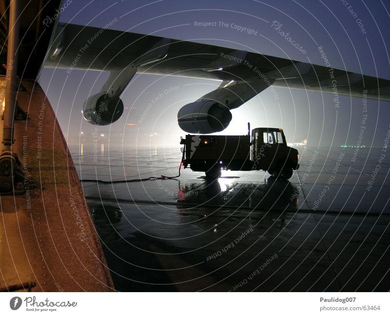 Airplane Threat Narrow Night Tansania Helpless Tripod Cargo plane Victoria lake