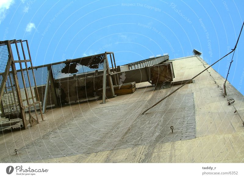 Sky Tall Perspective Industry Ladder Scaffold Silo