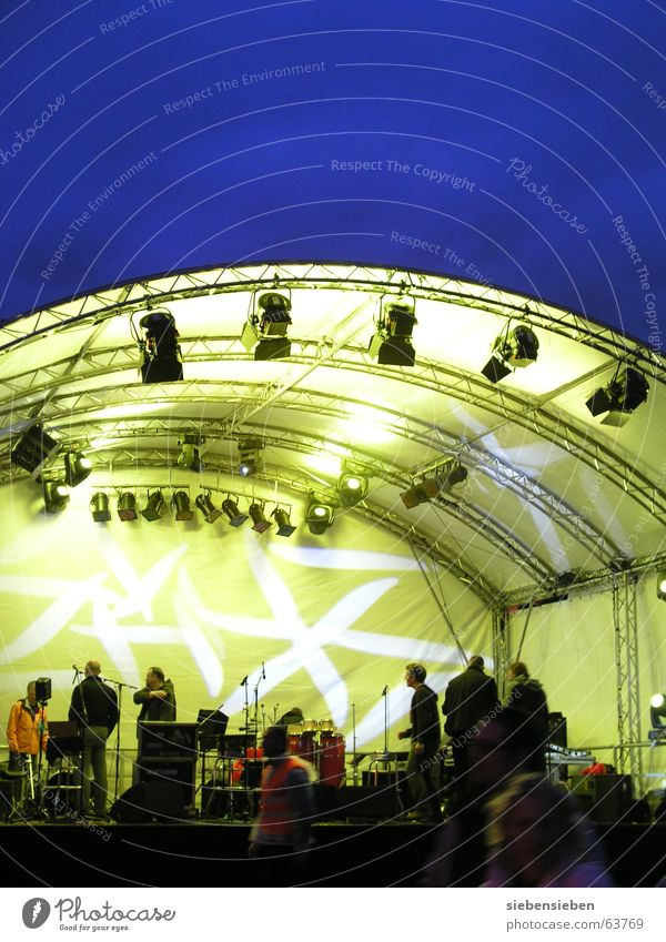 Human being Sky Blue Yellow Colour Life Dark Music Group Bright Lighting Art Concert String Stage The Ruhr