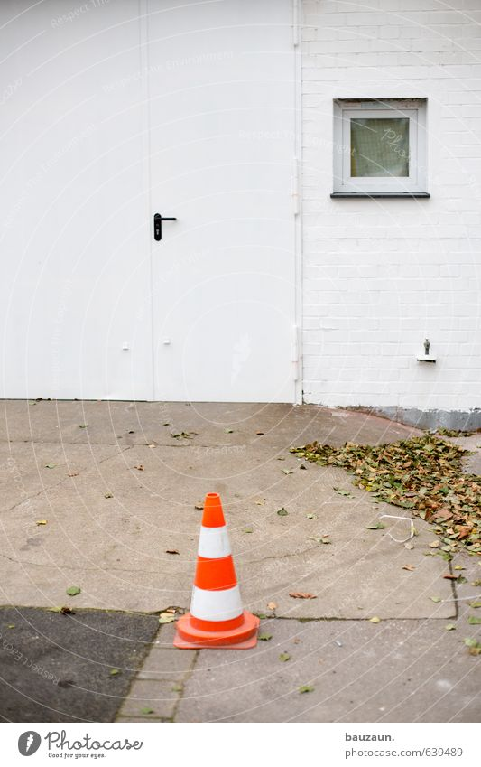 White Leaf Window Wall (building) Street Autumn Lanes & trails Wall (barrier) Stone Facade Orange Door Concrete Simple Stripe Protection
