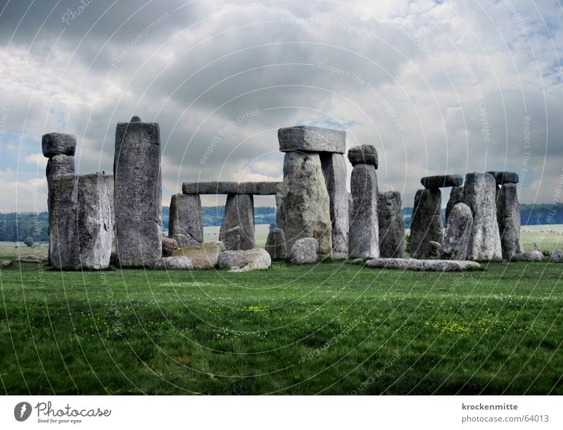 Sky Clouds Dark Meadow Stone Landscape Circle Mysterious Tourist England Mystic Accumulation Marvel Tourist Attraction Extraterrestrial Iconic