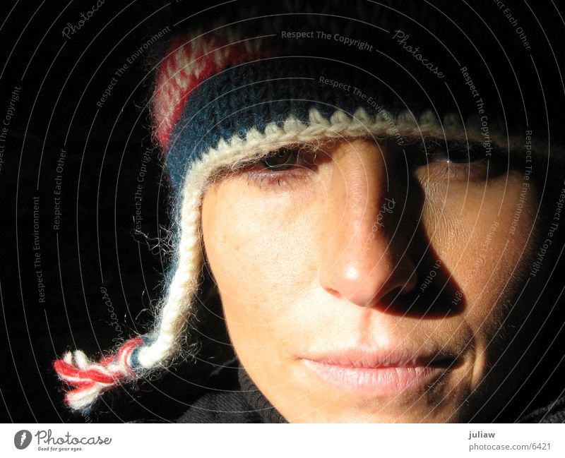 comme ci Cold Winter Cap Woman Face Shadow Contrast