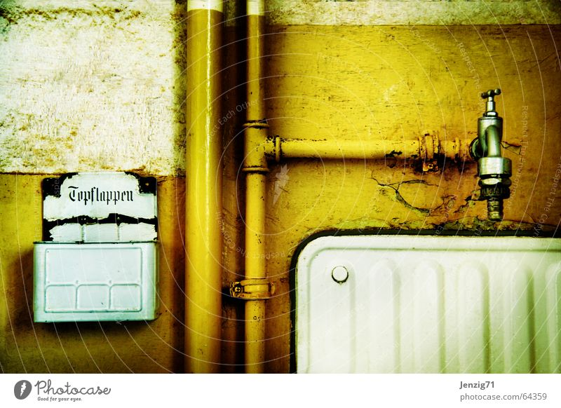 Old Life Wall (building) Retro Kitchen Living or residing Pipe Enamel Tap Basin Sink Run-down Plumber