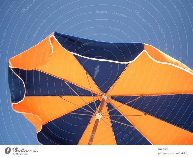 Sky Ocean Blue Summer Beach Vacation & Travel Yellow Coast Wind Leisure and hobbies Stripe Sunshade Sunbathing Partially visible Bathing place