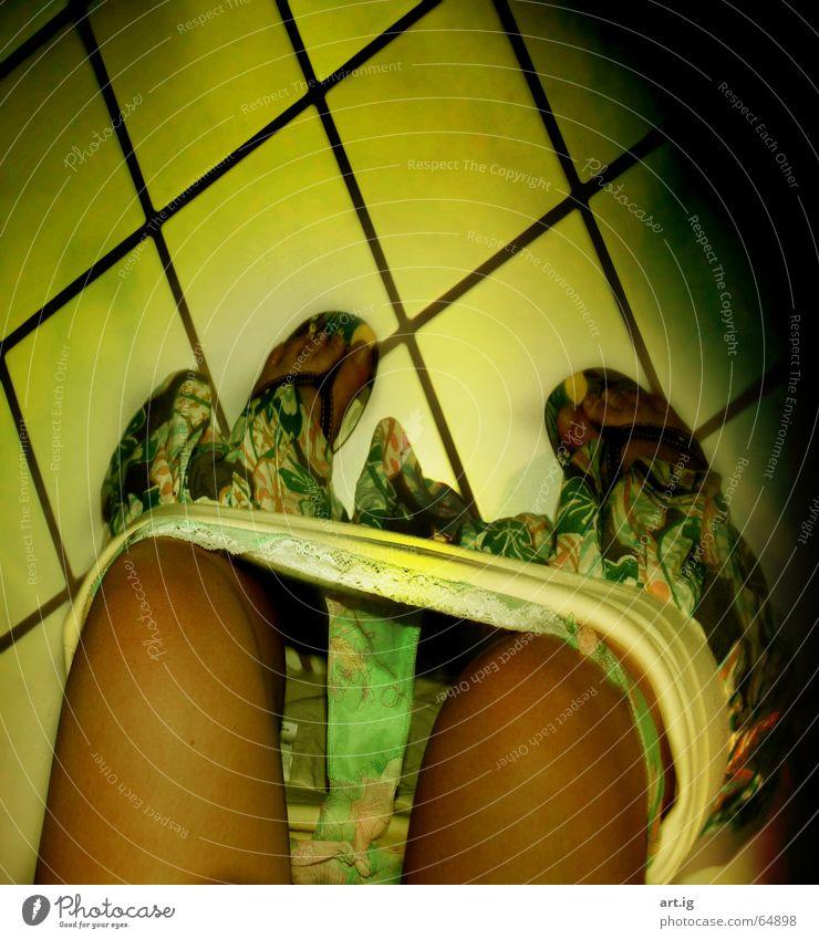 Woman Green Summer Black Yellow Bathroom Flip-flops Photos of everyday life