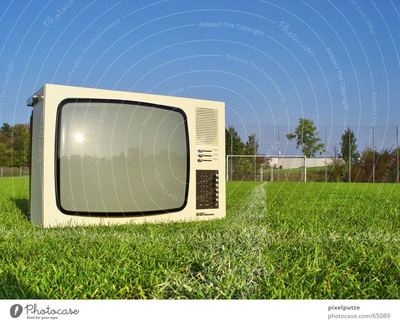 Television sets on journeys TV set Football pitch Grass World Cup Impaired consciousness Soccer Lawn Gate Signs and labeling