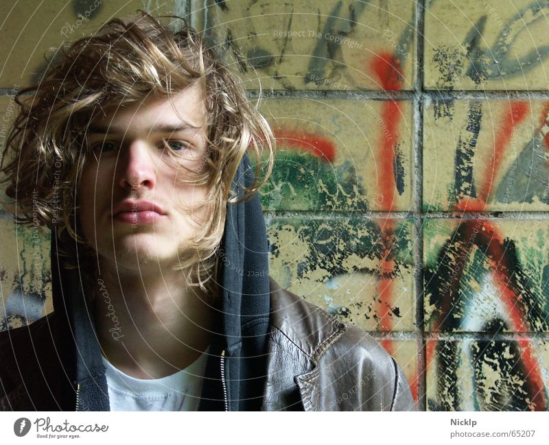 Human being Man Beautiful Black Wall (building) Hair and hairstyles Brown Blonde Dirty Masculine Grief Model Tile Boredom Fat Distress