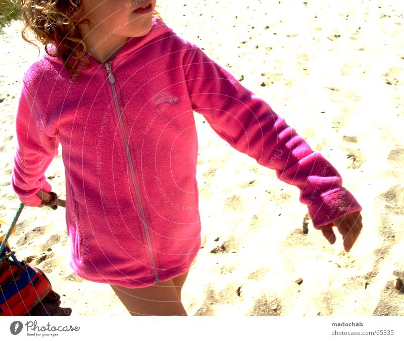 Human being Child Girl Sun Summer Joy Beach Sand Lighting Funny Small Pink Toys Joie de vivre (Vitality) Forwards Colour