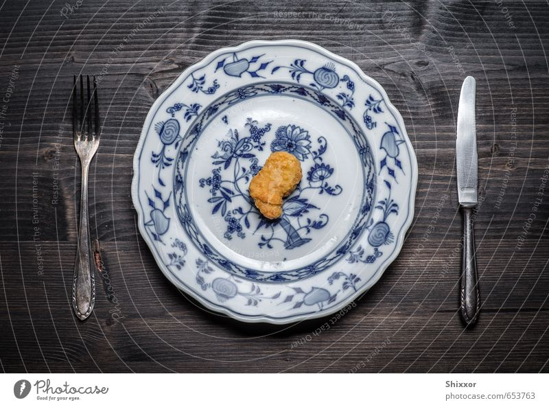 Lonely Nugget Food Meat Fast food Finger food Crockery Plate Cutlery Knives Fork Disciplined Modest Refrain Thrifty Sadness Grief Appetite Disappointment