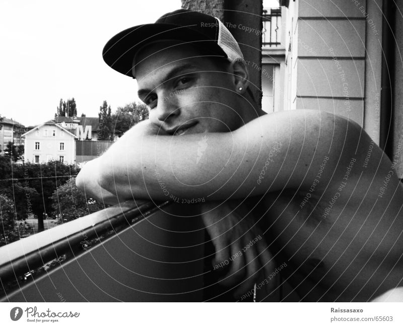 toute l'amour... Man Balcony Baseball cap House (Residential Structure) Musculature Hat Black & white photo Laughter