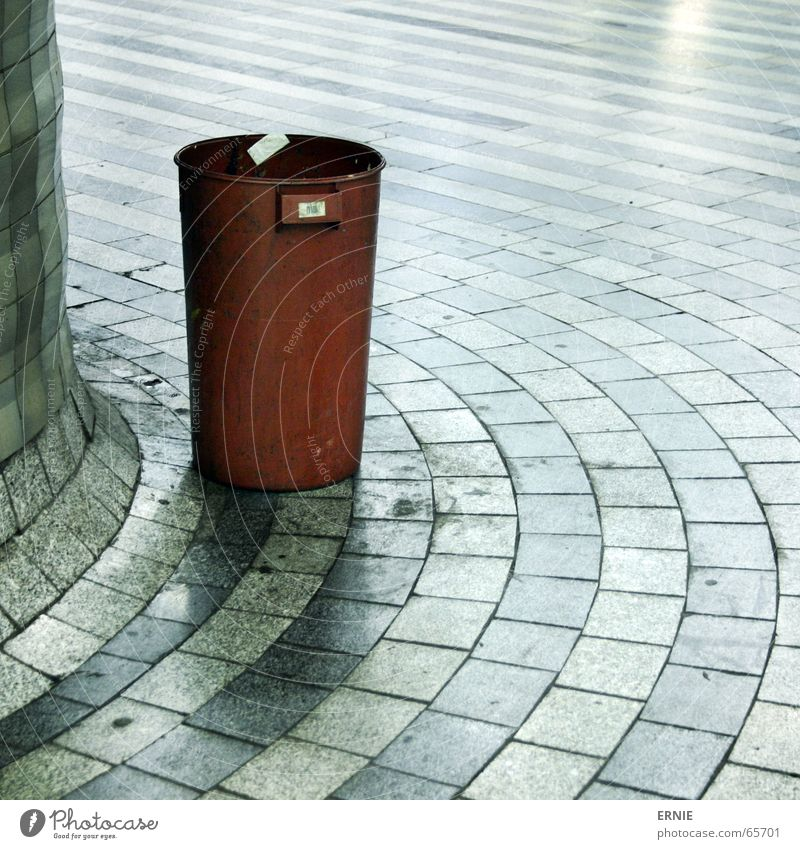 Round Floor covering Trash Tile Train station Senses Tramp Fate Bucket Prague Curved Foreign countries Czech Republic