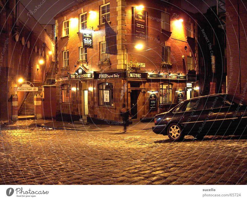 House (Residential Structure) Street Dark Building Bar Still Life England Alley Pub Night life Night shot Manchester Sidestreet