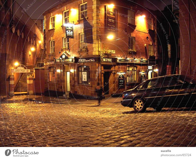 Manchester Pub Bar England Night Dark Building House (Residential Structure) Night life Alley Sidestreet Night shot Still Life big britain north england Street
