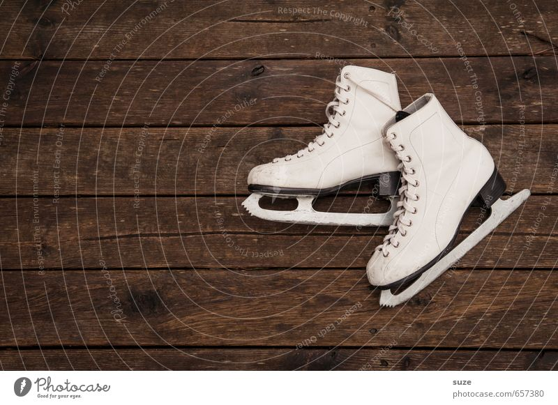 Old White Winter Style Wood Brown Leisure and hobbies In pairs Simple Dry Athletic Anticipation Wooden floor Winter sports Ice-skates Iconic