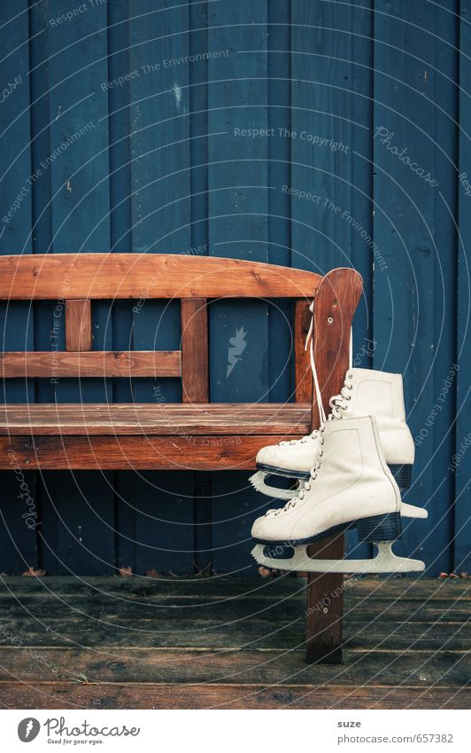 Blue Old White Winter Style Wood Brown Leisure and hobbies Wait In pairs Simple Dry Bench Athletic Hang Anticipation