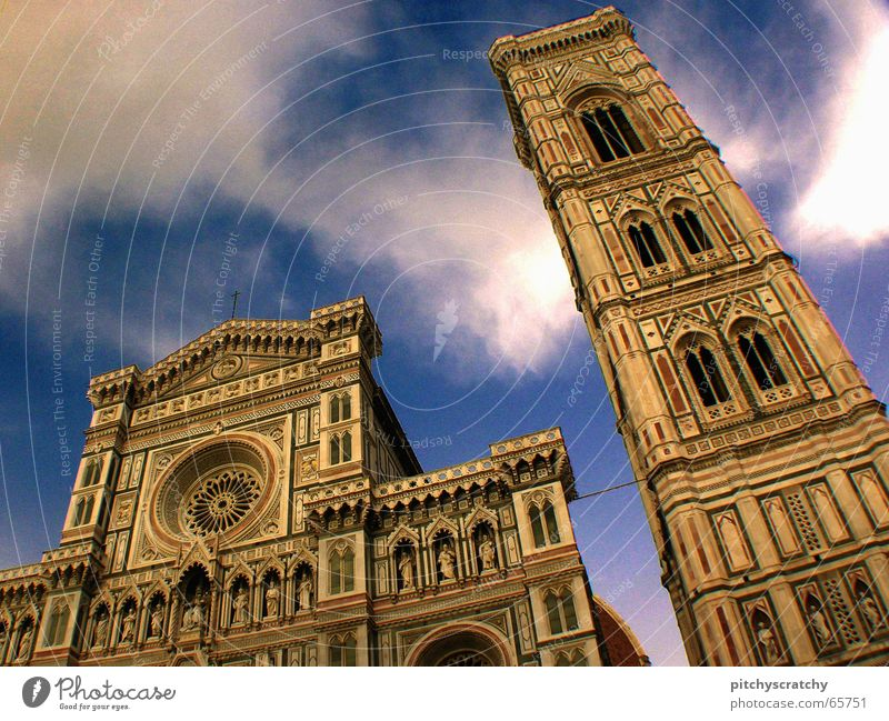 Santa Maria del Fiore II Renaissance Clear Italy Religion and faith Building Clouds Worm's-eye view Florence Manmade structures House of worship Historic Dome